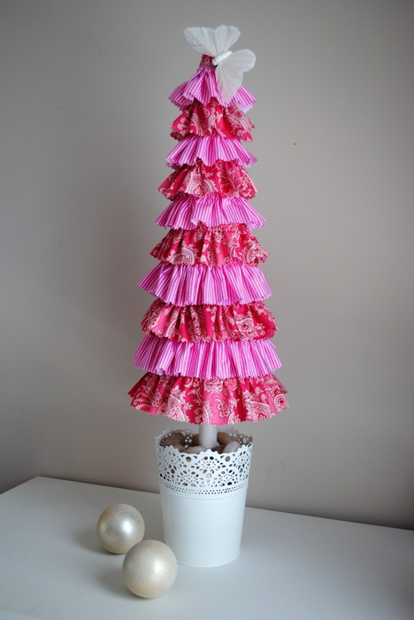 Ruffle xmas tree (468x700, 157Kb)