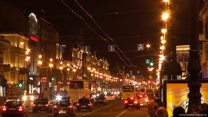Невский проспект ночью. Вид от Казанского собора по направлению к улице Марата и Московскому вокзалу…