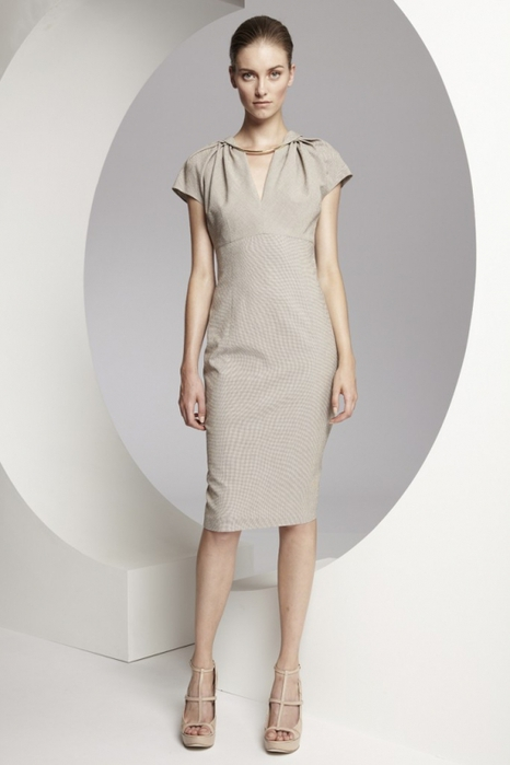 модное платье-футляр фото