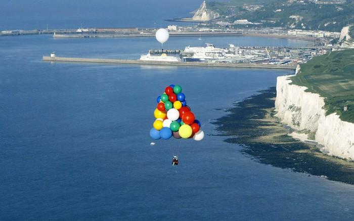 2435251_1heliumballoons1 (700x437, 73Kb)
