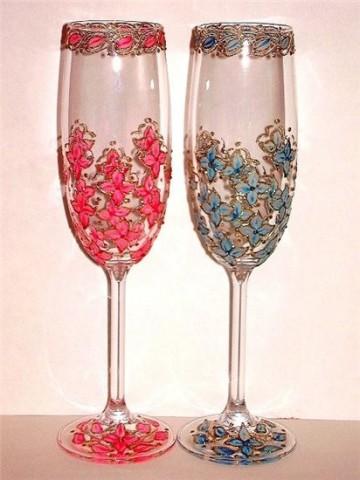 Девочки, посмотрите сколько идей для украшения бокалов на свадьбу. Эх