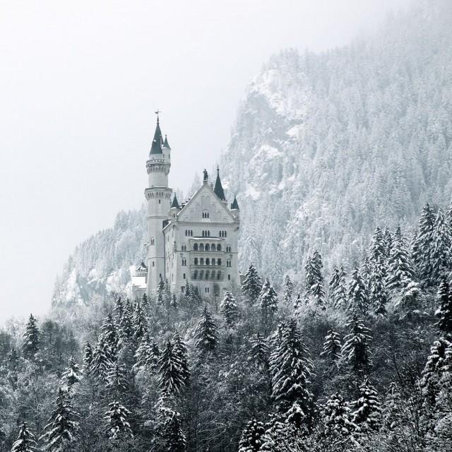 замок Нойшванштайн в Швангау,