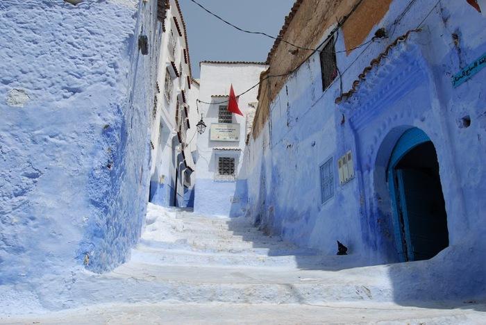В голубом этот город всплыл, Чистота или утро в нем. 39724