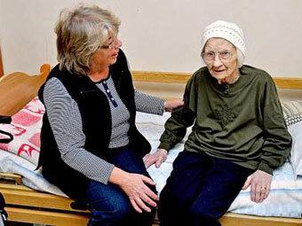 105-летнюю шведку пригласили в школу (340x255, 28Kb)