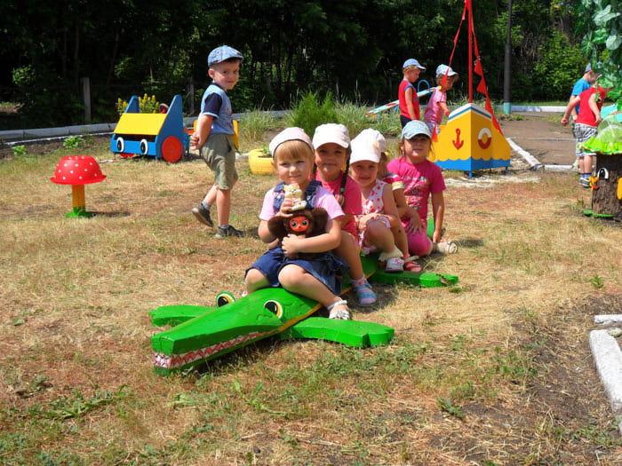 Оформление участков детсада - Поделки