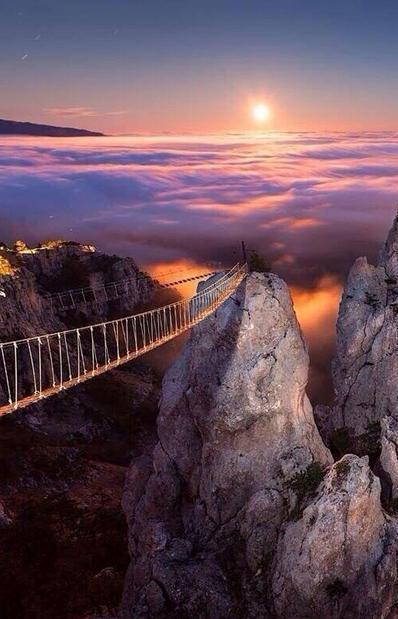 Most-v-nebo-AyPetri-Ukraina (398x619, 42Kb)