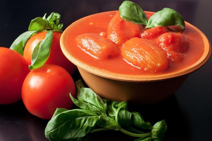 tomaty-v-sobstvennom-soku-retsept-bez-tomatnoj-zalivki-foto3 (700x467, 323Kb)