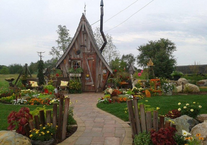 деревянные домики для дачи Дэн Поли 1 (700x492, 345Kb)