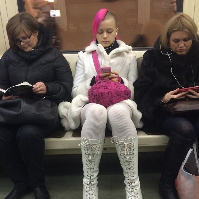 Смешная мода в метро5 (640x640, 256Kb)
