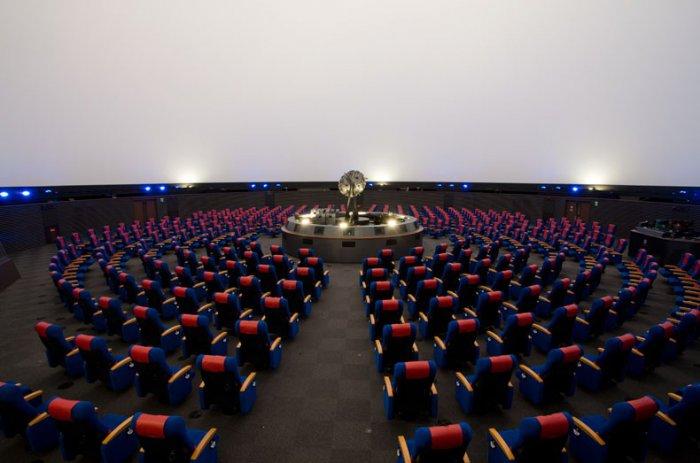 планетарий в город нагоя япония 7 (700x463, 234Kb)