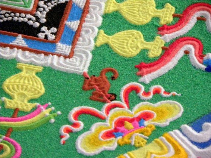 буддийские монахи делают песчаную мандалу 12 (700x525, 377Kb)