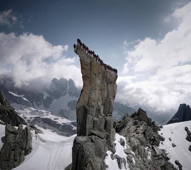 прикольная фотосессия альпинистов Mammut 1 (650x576, 256Kb)