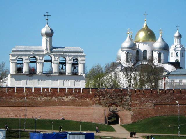 2. Исторические памятники Новгорода и окрестностей (640x480, 206Kb)