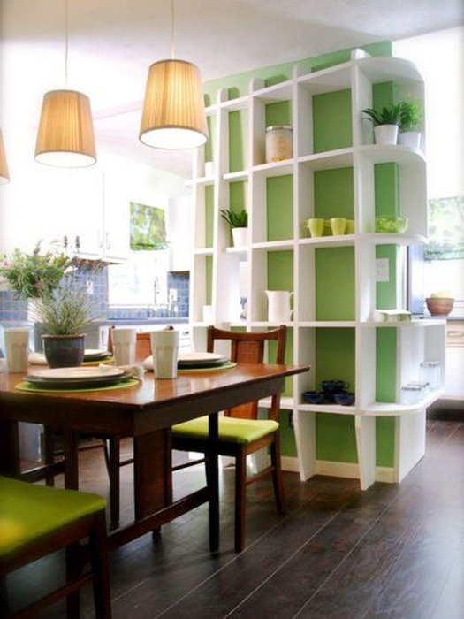 wall-shelves-around-the-kitchen-for-arranging-cups-and-plates (525x700, 311Kb)