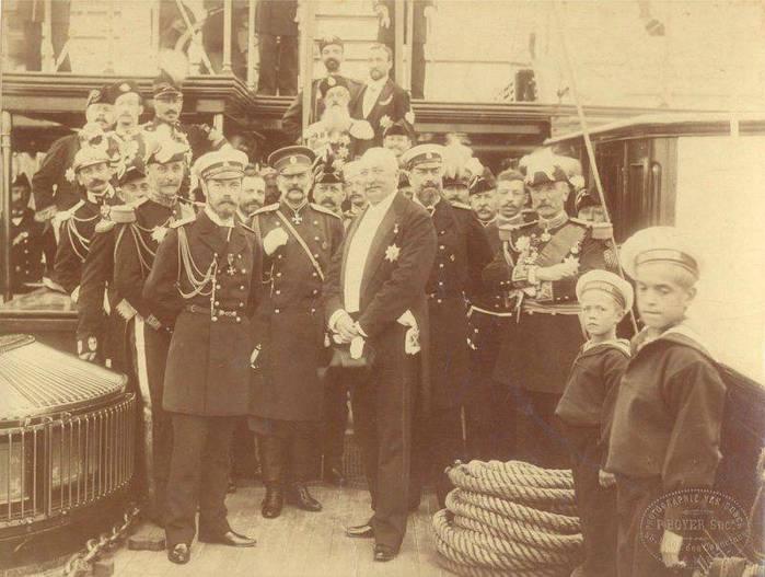 Niki France 1896 s prezidentom Feliksom Forom (700x527, 54Kb)
