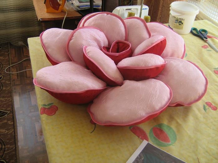 Как правильно подвязать плетистую розу 1