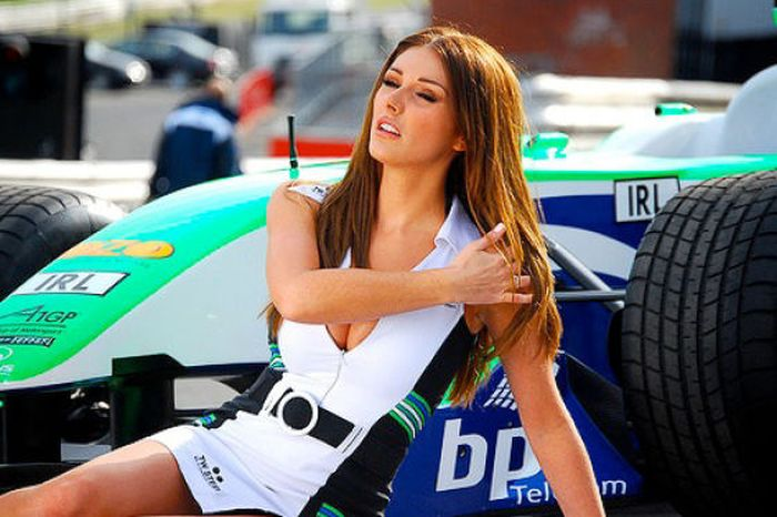 grid_girls_the_1_11 (700x466, 61Kb)