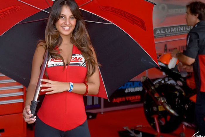 grid_girls_the_1_65 (700x466, 48Kb)