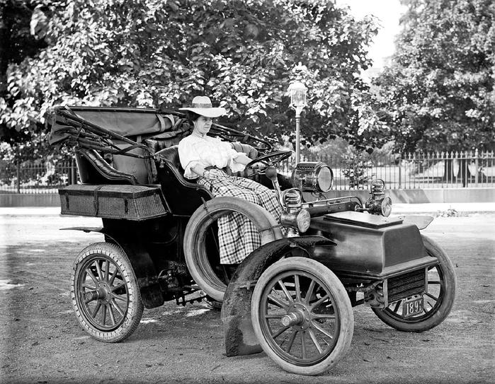 Harris & Ewing - Vintage Automobiles Miss_Corine_Murphy_in_auto (700x543, 316Kb)