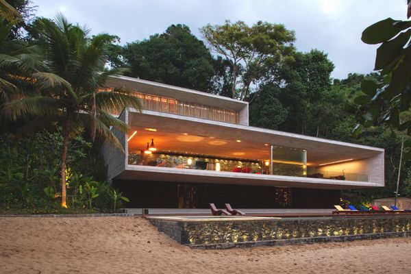 Дом в стиле минимализм Paraty House 5 (600x400, 51Kb)