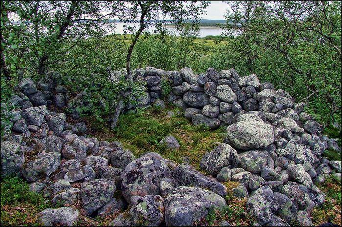 Жилище шамана в святилище Большого Заяцкого острова/3673959_la3 (700x464, 137Kb)