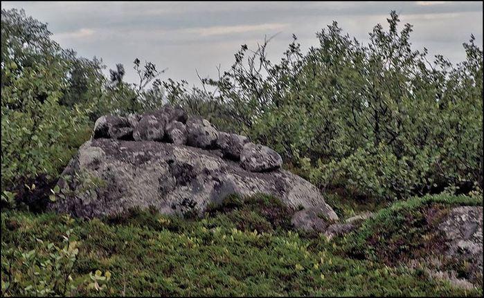 Каменные выкладки святилища на Большом Заяцком острове/3673959_la6 (700x431, 94Kb)