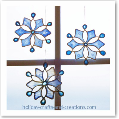 Синие снежинки - поделки на Новый год/3576489_easy_to_make_christmas_ornaments_gluefinal2 (400x400, 50Kb)