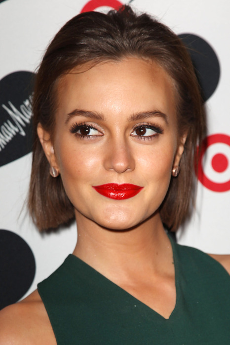79326_Preppie_Leighton_Meester_at_the_Target_Neiman_Marcus_Holiday_Collection_launch_event_11_122_985lo (466x700, 78Kb)