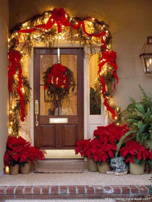 Dreamy-Door-Outdoor-Christmas-Lights-Decorating-Design-e1319576522473 (525x700, 217Kb)