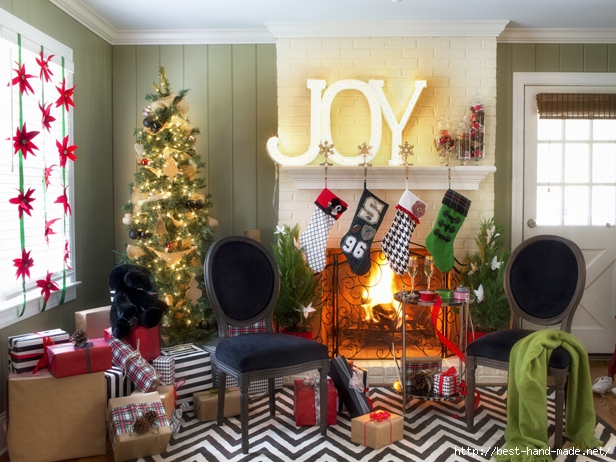 Original_Brian-Patrick-Flynn-Holiday-House-fireplace-room (616x462, 250Kb)