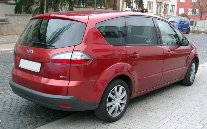 Ford_S-Max_rear_20071119 (700x437, 90Kb)