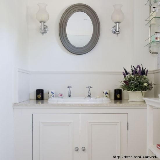 Bathroom--traditional-oval-mirror--25-Beautiful-Homes (550x550, 77Kb)