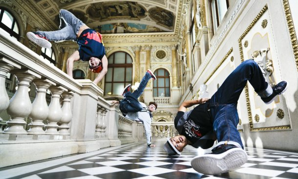 4950316_I_BachMeetsBreakdance (610x366, 70Kb)