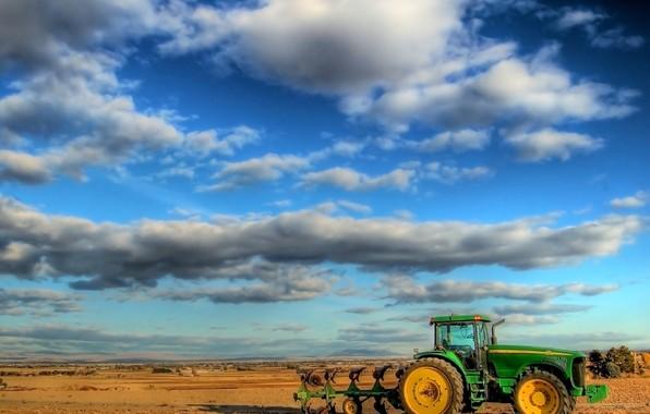 трактор в поле/4348076_5055 (596x380, 51Kb)