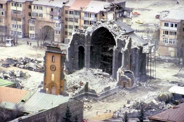 spitak-earthquake-damage-1988-1 (600x396, 47Kb)