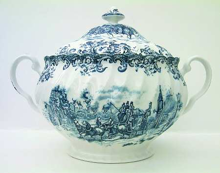 johnson_brothers_coaching_scenes_blue_tureen_with_lid_P0000045485S0012T2 (450x354, 20Kb)