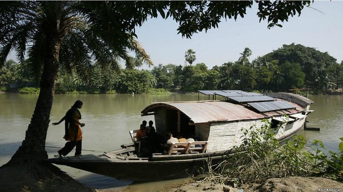 плавучиеш школы бангладеш фото (700x393, 120Kb)