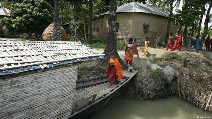 плавучиеш школы бангладеш фото 1 (700x393, 137Kb)