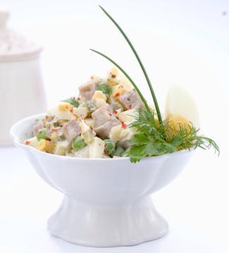 Традиция в стихах о салате Оливье