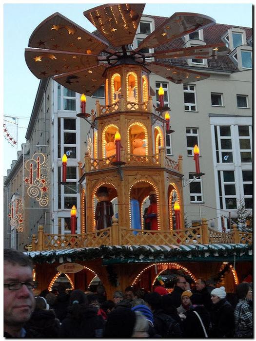Больная рождественская ёлка Дрездена. 80085