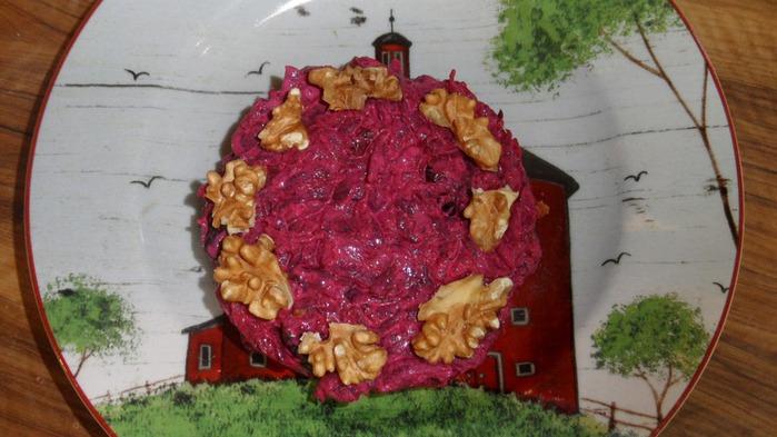 свекольный салат с черносливом (700x393, 88Kb)