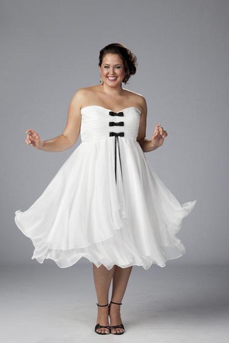 Короткие свадебные платья для полных