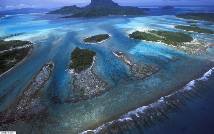 1074762_3741__Bora_Bora_Lagoon_French_Polynesia__sm (700x437, 248Kb)