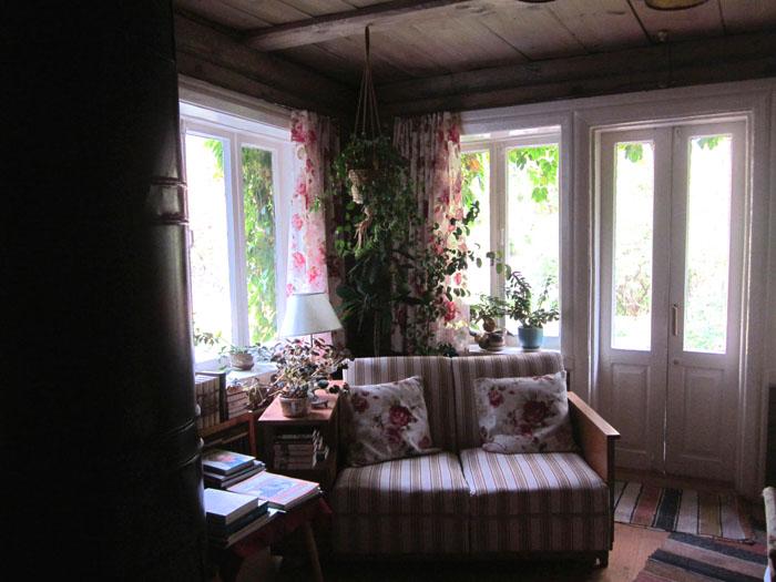 01в Паустовский гостиная (700x525, 108Kb)