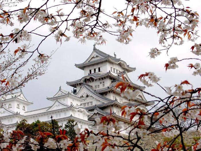 4326608_japan_himeidji_castle (700x525, 100Kb)