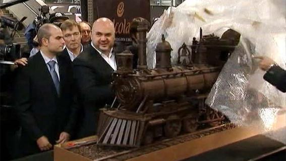 Шоколадный поезд в Бельгии. Фотографии