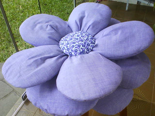 almofada flor lilás (640x480, 45Kb)