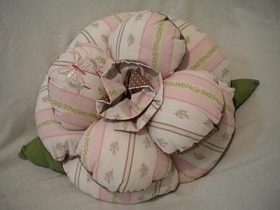 conj almofada flor med rosa-marrom (400x300, 22Kb)