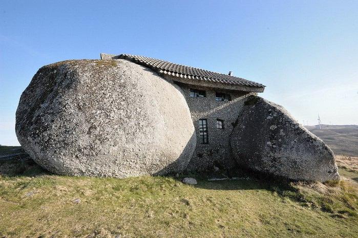 каменный дом португалия фото 1 (700x465, 109Kb)