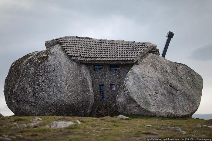 каменный дом португалия фото 3 (700x466, 117Kb)